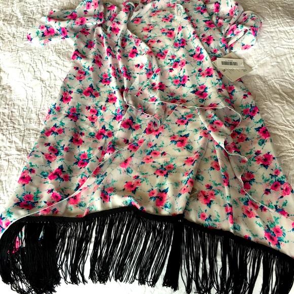 NWT LuLaRoe Monroe Kimono (Retired)